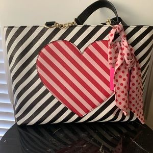 Betsey Johnson large 3 piece tote bag